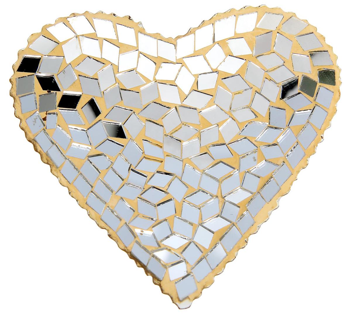 Подсвечник Сердце, цвет: золотистый, серебристый, 12 х 12 х 1,5 см1438641Подсвечник в форме сердца — хорошее приобретение для тех, кто хочет сделать свой вечер особенным! Стильный декор создаст романтическую атмосферу в доме и подойдет как для праздников, так и для тихих встреч со своей половинкой. Дополните его свечкой, и все вокруг замерцает миллионами бликов, принося вам хорошее настроение и эстетическое удовольствие.Порадуйте себя и своих близких!