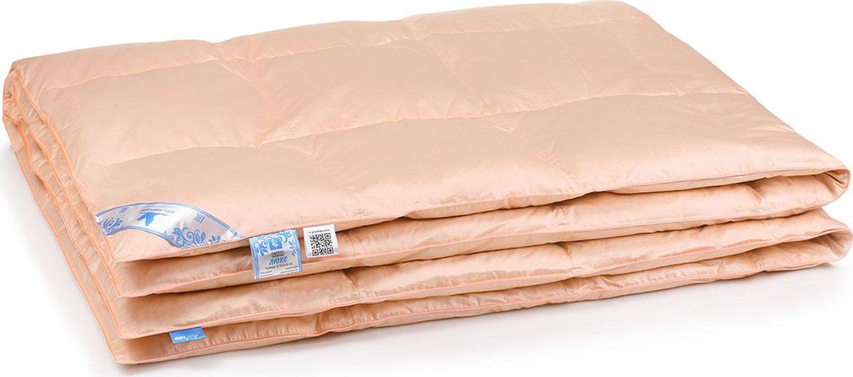 Belashoff Одеяло Люкс цвет персиковый 172 x 205 смОП1-2Элегантная классика коллекции Люкс — это постельные принадлежности для полноценного сна и отдыха. Приятные на ощупь, невероятно мягкие и легкие подушки и одеяла гарантируют традиционные качества наполнителя из гусиного пуха — воздухопроницаемость и теплоизоляцию при малом весе изделия. Они легко взбиваются, не теряют объем, и надолго сохраняют комфортное тепло.