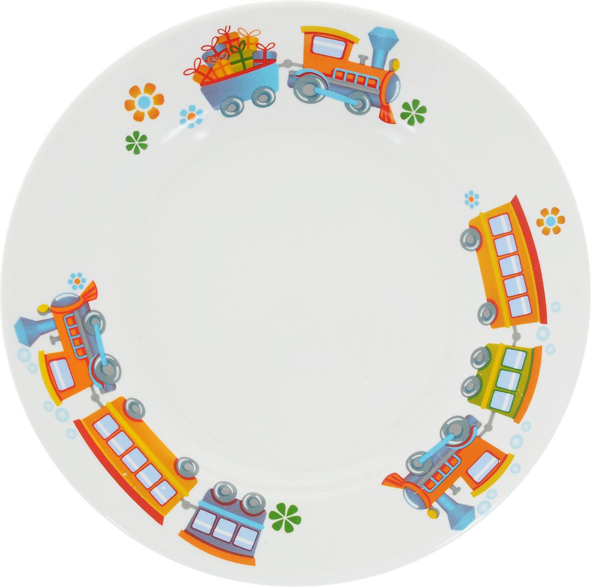 """Фаянсовая детская тарелка """"Кубаньфарфор"""" с красочным рисунком понравится каждому малышу. Изделие из качественного материала станет правильным выбором для повседневной эксплуатации и поможет превратить каждый прием пищи в радостное приключение. Особенности: - простота мойки, - стойкость к запахам, - насыщенный цвет."""