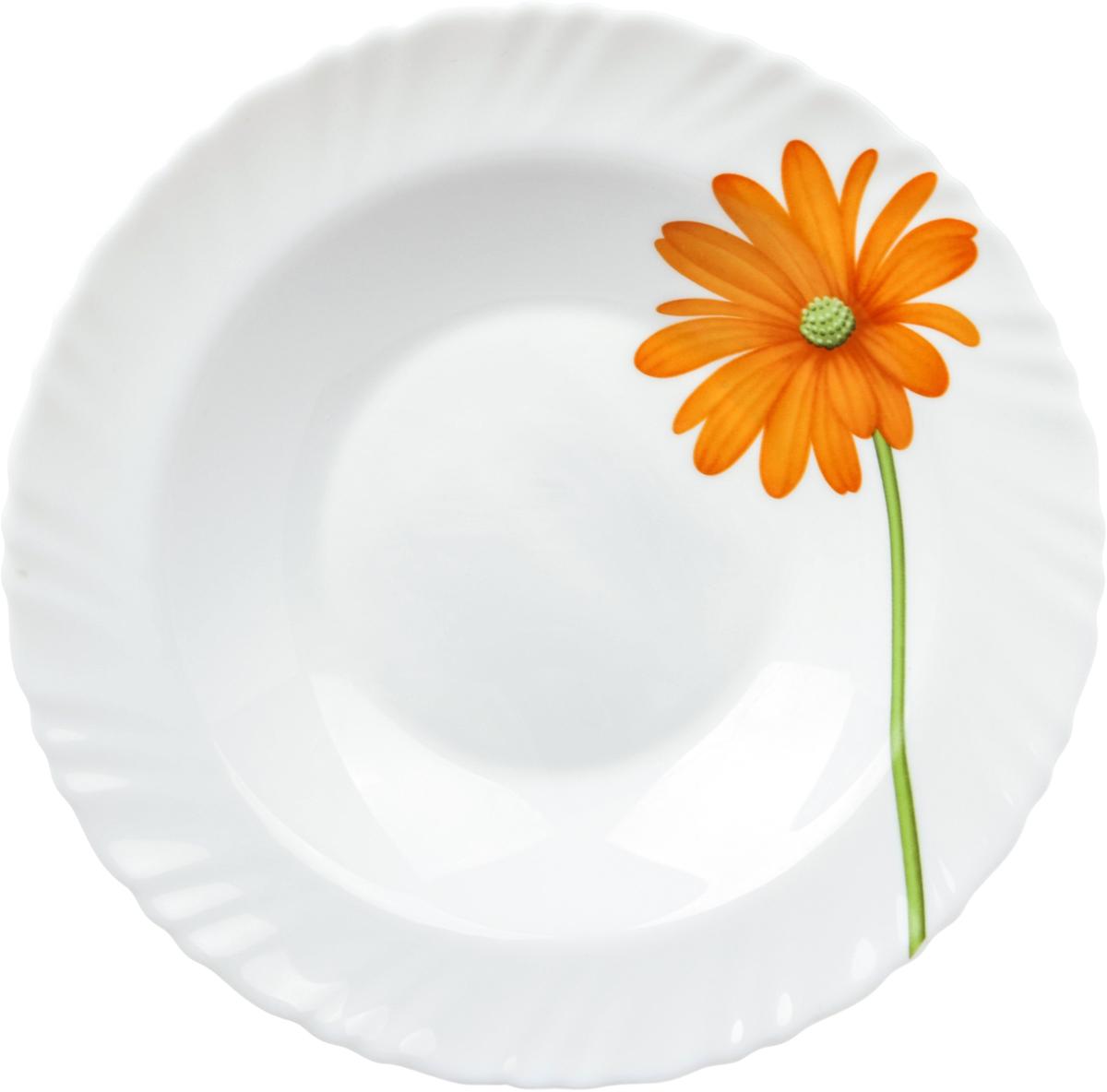 """Тарелка глубокая La Opala """"Гербера"""" выполнена из опалового стекла. Посуда из опалового стекла обладает рядом преимуществ по сравнению с традиционной посудой из обычного стекла или фарфора.  Она очень легкая и гигиенически чистая благодаря отсутствию пор.  Обладает повышенной устойчивостью:  - к температурному шоку: поверхность стекла не будет лопаться из-за внезапных перепадов температуры;  - к ударам: в несколько раз крепче стандартного стекла;  - к износу: имеет высокую износоустойчивость. Именно поэтому опаловое стекло не боится царапин, обладает повышенной ударопрочностью. Посуду из опалового стекла можно мыть в посудомоечных машинах и готовить в нем пищу в микроволновой печи.  Опаловое стекло необычайно яркое. На гладкую поверхность посуды из опалового стекла отлично наносятся декоративные краски.  Физико-химический состав опалового стекла позволяет краскам переливаться, из-за чего создаются сверкающие оттенки а-ля опал."""