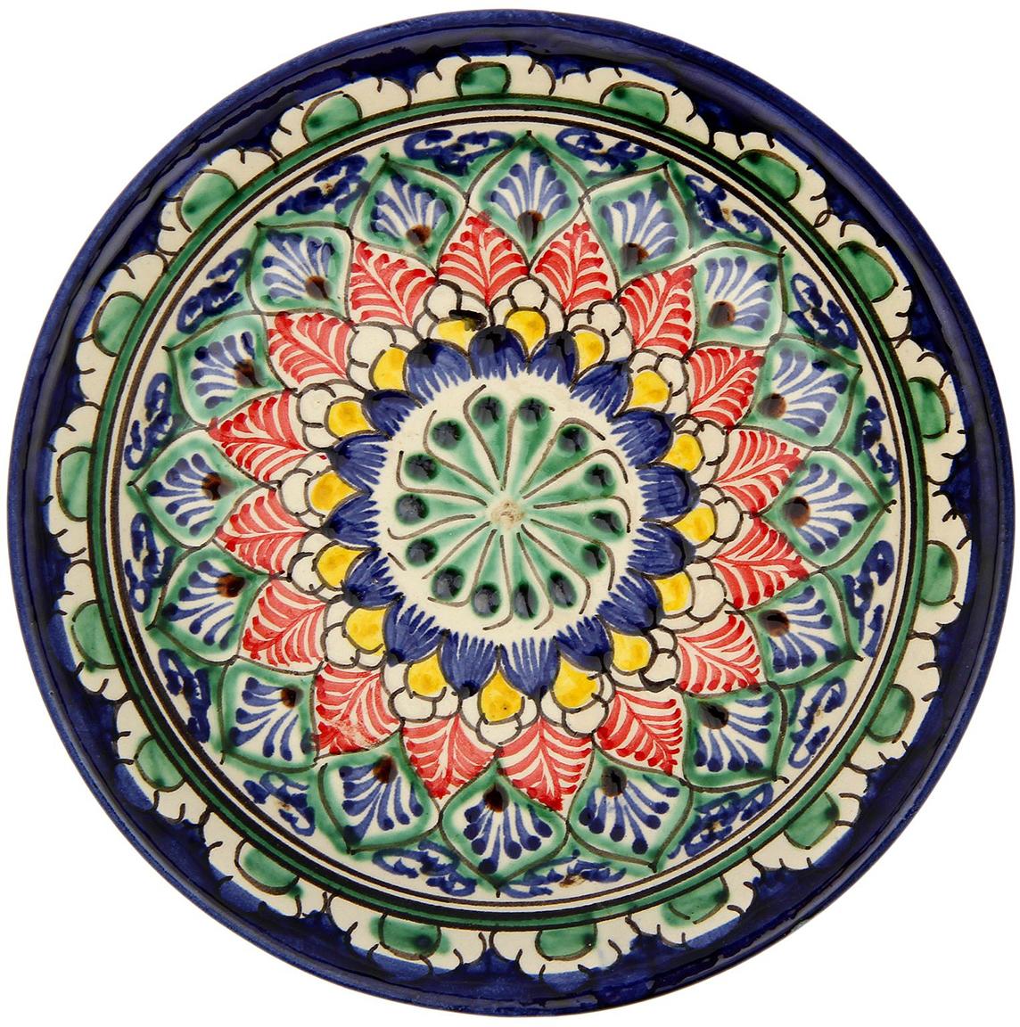 Тарелка Риштанская керамика, диаметр 15 см. 21387072138707Узбекская посуда известна всему миру уже более тысячи лет. Ей любовались царские особы, на ней подавали еду шейхам и знатным персонам. Формула глазури передаётся из поколения в поколение. По сей день качественные изделия продолжают восхищать своей идеальной формой.Данный предмет подойдёт для повседневной и праздничной сервировки. Дополните стол текстилем и салфетками в тон, чтобы получить элегантное убранство с яркими акцентами.