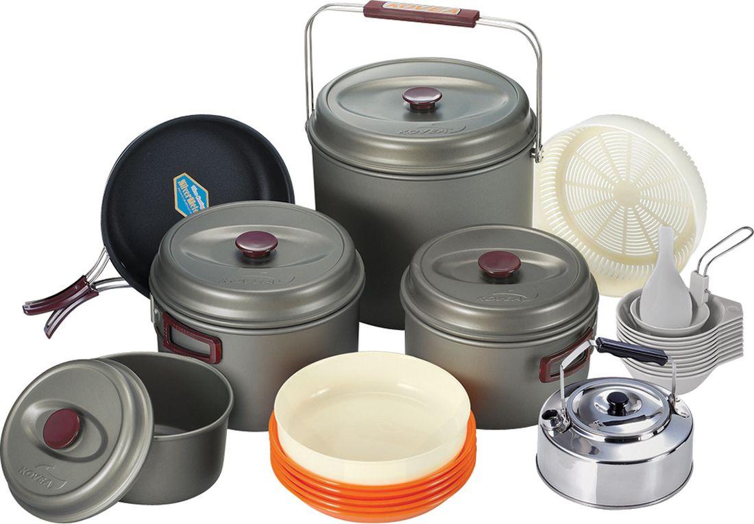 Набор походной посуды Kovea, 21 предмет8809000508446Набор легкой походной посуды из алюминия с холодным анодированием, рассчитанный на 10-12 человек. Набор состоит из четырех кастрюлек объемом 8,5 л, 4,2 л, 2,8 л и 1,8 л, удобной сковороды, чайника из нержавейки, 5 тарелок, 7 пиал, дуршлака, лопатки и складного половника. Анодированный алюминий обладает повышенной теплопроводностью, в связи с чем пища готовится значительно быстрее. Материал так же показывает прекрасную устойчивость перед окислением, даже во время длительной эксплуатации.