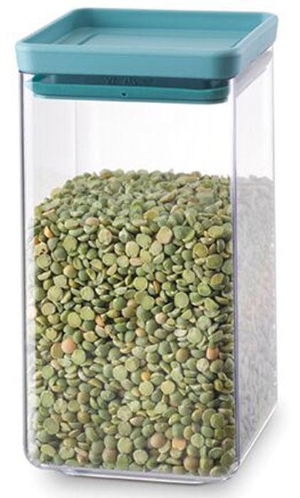 Контейнер для сыпучих продуктов Brabantia Tasty Colors, цвет: прозрачный, бирюзовый, 1,6 л. 290084290084Контейнер для сыпучих продуктов Brabantia Tasty Colors занимает мало места – контейнеры имеют прямоугольную форму и составляются один на другой.Продукты надолго сохраняют свежесть и аромат – силиконовый уплотнитель.Хорошо видно содержимое и его количество.Легко моется – можно мыть в посудомоечной машине.Прочный и абсолютно прозрачный – изготовлен из пластика.Входит в коллекцию «Tasty Colours».