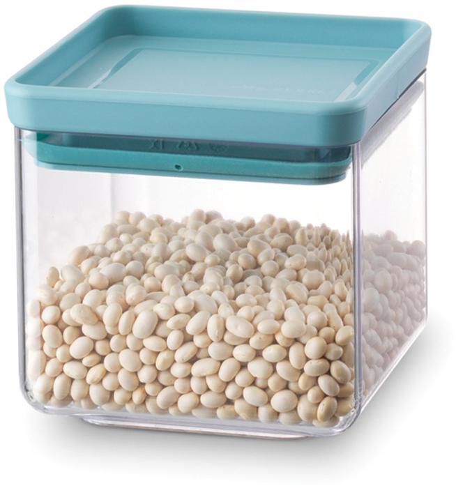 Контейнер для сыпучих продуктов Brabantia Tasty Colors, цвет: прозрачный, бирюзовый, 700 мл. 290060290060Контейнер для сыпучих продуктов Brabantia Tasty Colors занимает мало места - контейнеры имеют прямоугольную форму и составляются один на другой. Продукты надолго сохраняют свежесть и аромат - силиконовый уплотнитель. Хорошо видно содержимое и его количество. Легко моется - можно мыть в посудомоечной машине. Прочный и абсолютно прозрачный - изготовлен из пластика.