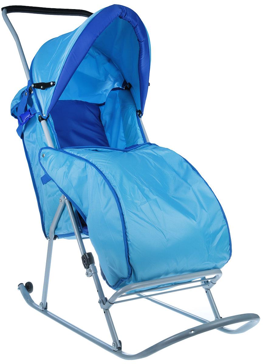 Фея Санки-коляска Метелица Люкс 1 с тентом цвет голубой синий0005573-02_голубой синийСанки-коляска Фея Метелица Люкс 1 выполнена из тонких металлических труб и из синей и голубой ткани. Ткань, использующаяся на санках, отлично защищает от ветра. Санки оснащены тентом, который складывается, имеется ремень безопасности и утепленный чехол для ног. Полозья изготовлены из плоской металлической трубы. Регулируемые подставка для ног и сидение, жесткая спинка. Санки изготовлены с двумя задними маленькими колесиками, что очень удобно при перевозки через дорогу, где нет снега.