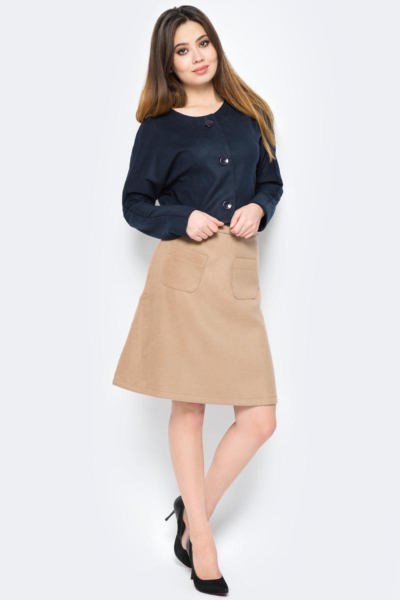 Юбка La Via Estelar, цвет: бежевый. 90502-1. Размер 4290502-1Стильная юбка, выполненная из кашемира, отлично дополнит ваш образ. Модель миди-длины сзади имеет застежку молнию. Спереди юбка дополнена двумя накладными карманами.