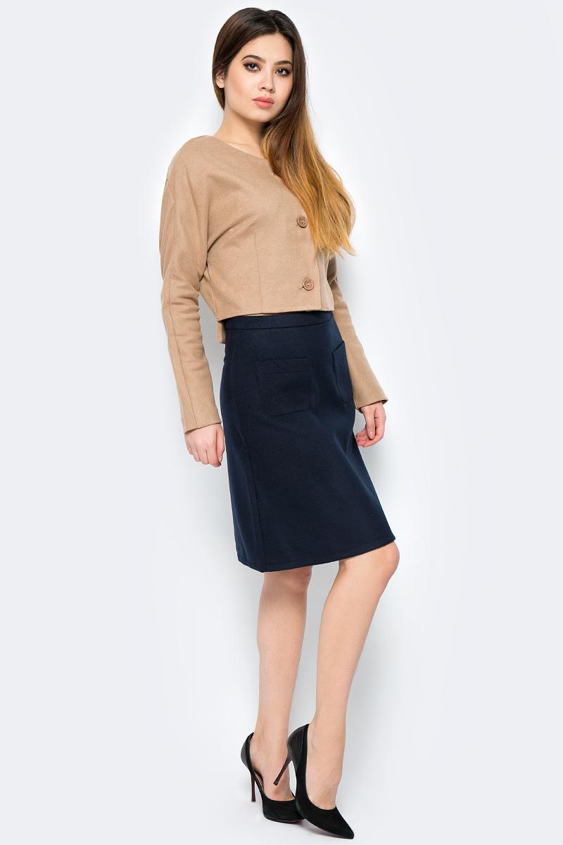 Юбка La Via Estelar, цвет: синий. 90502-2. Размер 5090502-2Стильная юбка, выполненная из кашемира, отлично дополнит ваш образ. Модель миди-длины сзади имеет застежку молнию. Спереди юбка дополнена двумя накладными карманами.