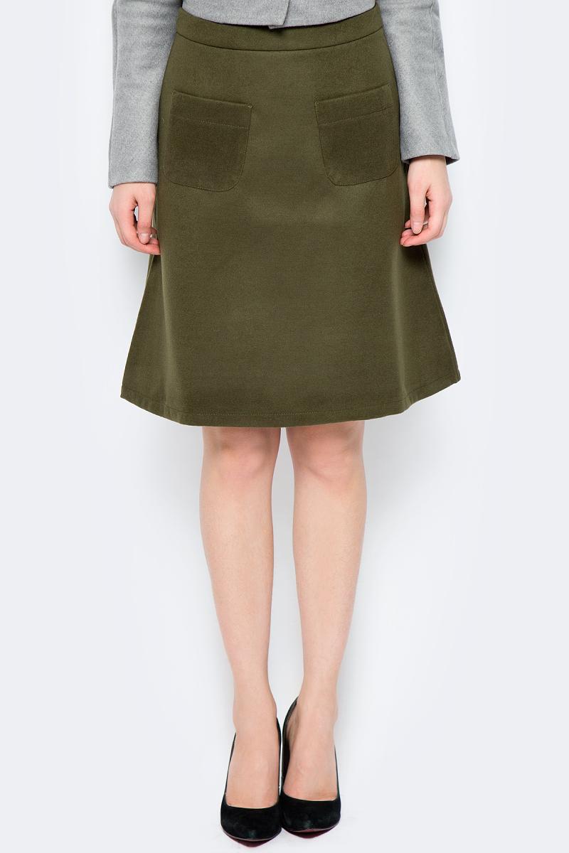 Юбка La Via Estelar, цвет: хаки. 90502-3. Размер 4890502-3Стильная юбка, выполненная из кашемира, отлично дополнит ваш образ. Модель миди-длины сзади имеет застежку молнию. Спереди юбка дополнена двумя накладными карманами.