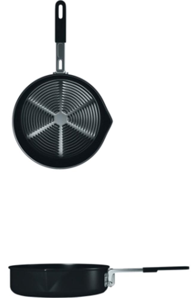 Сковорода NZ FP-3086951748900081Сковорода NZ FP-308 для готовки на горелках и примусах. Складная ручка, антипригарное Non-Stick покрытие и яркий чехол. Сковорода может составлять компактные комплекты с большинством наборов посуды NZ.Диаметр: 19 см.