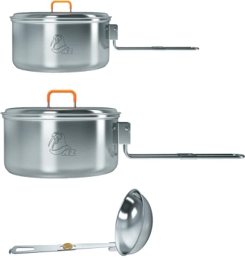 Набор посуды NZ. SS-0296951748910219Компактный набор туристической посуды, состоящий из двух кастрюль объемом 0,7 и 1,2 л и складного половника. Он обеспечит горячей едой и питьем одного или двух человек при готовке на горелке или примусе. Тонкостенная нержавеющая сталь обеспечивает достаточную прочность изделия и быстрое закипание воды. Складные ручки надежно фиксируют крышки кастрюль, благодаря чему набор не разваливается и не гремит при транспортировке