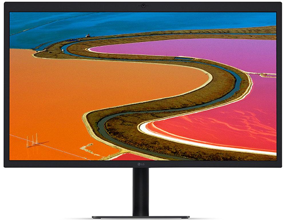 LG 27MD5KA-B, Black монитор27MD5KA-BМногие пользователи испытывают трудности в поиске совместимого внешнего монитора для использования сMac, особенно для новых MacBook Pro, но теперь есть ответ - LG 27MD5KA-B - монитор с 5K разрешением.В 27MD5KA-B обеспечивается эквивалент пикселей на дюйм (218 PPI), точно такой же как и в дисплеях RetinaMacBook Pro. Теперь, вы можете получить высокую четкость и детальное изображение с Mac на 5К-мониторе сбольшим экраном.Цветовое поле Р3 99% позволяет вам редактировать свои фотографии с высоким разрешением и точнореализовать поставленную задачу.4K монитор имеет яркость 500 кд/м2 и отражает широкий спектр цветов и контрастов. Вы можете получить яркие,реалистичные изображения на экране с разрешением 5К, которые обеспечат реальное представление опредметах и образах во время редактирования.5К монитор с IPS матрицей минимизирует искажение цвета и обеспечивает детальное, четкое изображение.При изменении угла обзора, цвета не меняются.Функция LG Screen Manager была адаптирована для MacOS, для оптимизации вариантов настройки монитора.Например, он предлагает варианты, такие как автоматическое разделение экрана от двух до четырех окон всоответствии с конкретными потребностями пользователя.Монитор LG 27MD5KA-B имеет встроенную веб-камеру и голосовой динамик, которые прекрасно подходят дляразвлечения и общения, например, для просмотра фильмов, видеозвонков FaceTime и онлайн чатов. Порт Thubderbolt 3 позволяет передавать контент 5K, подключать и подзаряжать Mac Book Pro. Тридополнительных порта UCB-C позволяют подключить дополнительные устройства, если есть необходимость.Легкое изменение настроек на экране монитора, например яркости экрана, возможно при использованииmacOS без использования кнопок.Подставка монитора LG 27MD5KA-B легко регулируется по высоте и имеет возможность для крепления на стене.