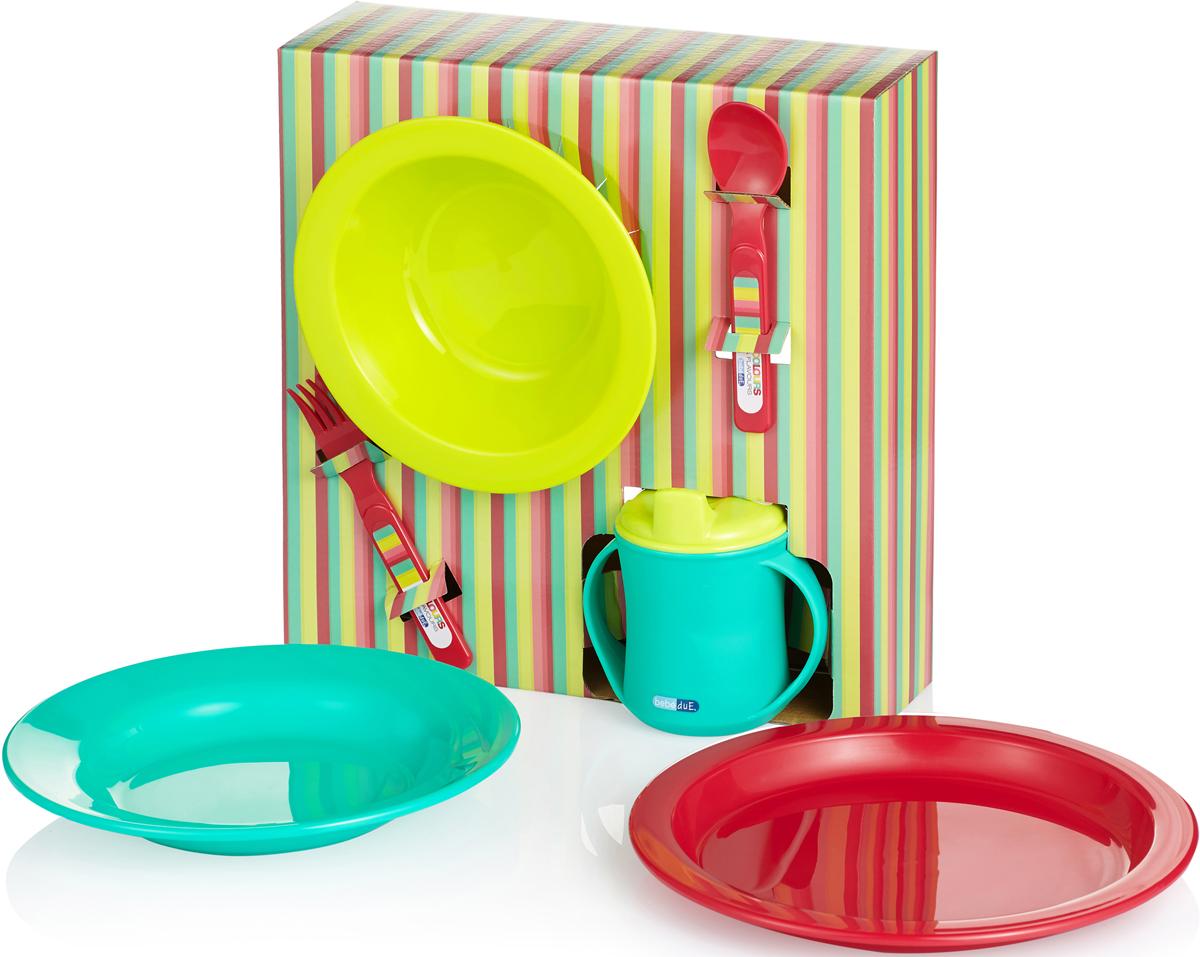 Bebe Due Детский столовый набор 6 предметов80199Яркий, приятный, практичный набор посуды для детей. Ударопрочный, гипераллергенный, не содержит токсичных веществ. Выполнен из высококачественного полипропилена не содержит Фталаты (резкий запах резины), Бисфенол А. Можно мыть в посудомоечной машине, подходит для печей СВЧ. В наборе чашка 2 в 1, малая тарелочка, плоская тарелочка, глубокая тарелочка, набор столовых приборов ложка и вилка (анатомические, специально предназначенные для малышей).Bebe Due Детский столовый набор 6 предметов