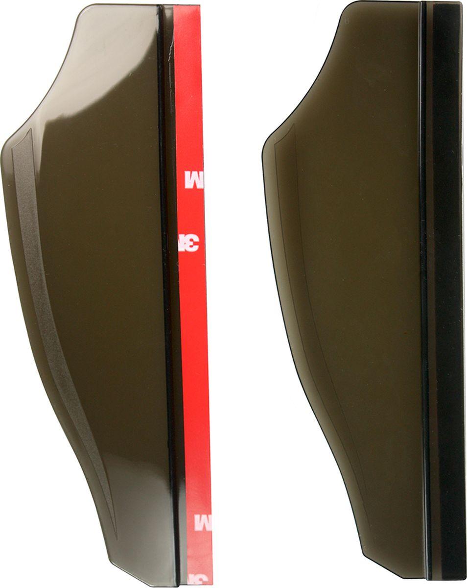 Защитный козырек Partner, на зеркало заднего видаПР038172Защитный козырек Partner изготовлен из гибкого пластика ПВХ и крепится к боковому зеркалу с помощью двустороннего скотча. Чтобы установить козырек, достаточно сделать всего три действия. Протрите все части зеркала заднего вида от грязи и пыли.Удалите защитную пленку с основания козырька.Приклейте козырек к верхнему бортику бокового зеркала.Если вы устанавливаете козырек в холодное время года, сделайте это в теплом помещении, так как клеевая поверхность может потерять свои свойства при минусовой температуре. Чтобы козырек крепко приклеился к зеркалу, не трогайте аксессуар в течение суток после установки.
