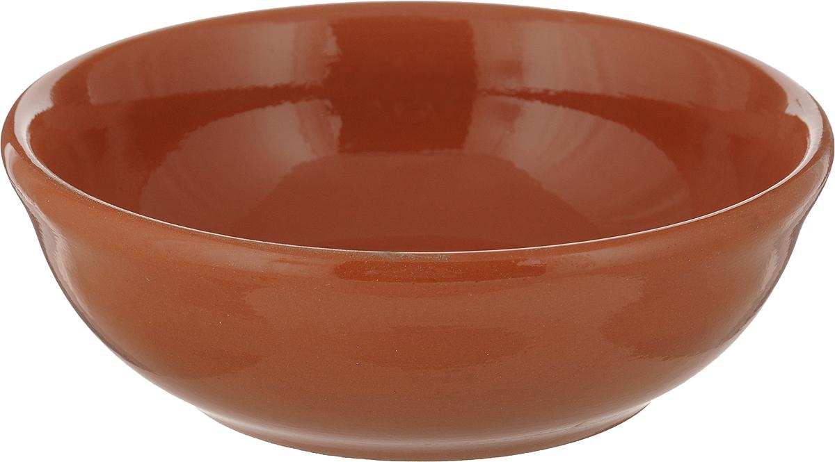 """Элегантный салатник """"Вятская керамика"""", изготовленный из высококачественной керамики, прекрасно подойдет для подачи различных блюд: закусок, салатов или фруктов. Такой салатник украсит ваш праздничный или обеденный стол, а оригинальное исполнение понравится любой хозяйке. Диаметр салатника (по верхнему краю): 15,5 см. Высота салатника: 5,5 см."""