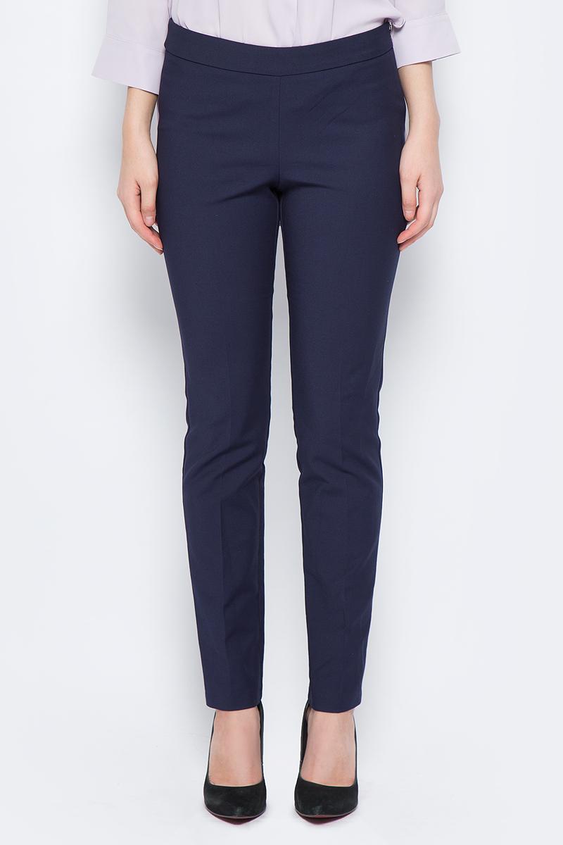 Брюки женские adL, цвет: темно-синий. 15318418015_018. Размер M (44/46)15318418015_018Стильные женские брюки adL изготовлены из качественного материала. Модель зауженного кроя со стандартной посадкой выполнена в лаконичном стиле. Застегиваются брюки по боковому шву на застежку-молнию.