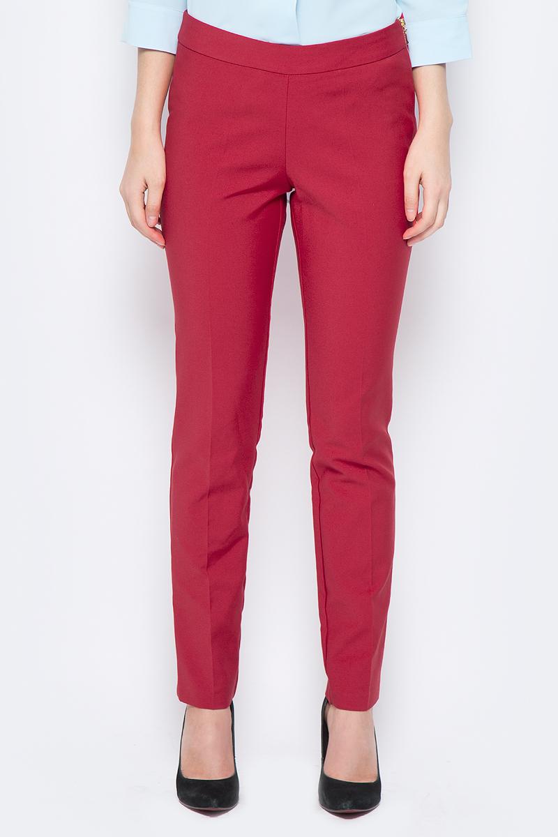 Брюки женские adL, цвет: красный. 15318418015_006. Размер M (44/46)15318418015_006Стильные женские брюки adL изготовлены из качественного материала. Модель зауженного кроя со стандартной посадкой выполнена в лаконичном стиле. Застегиваются брюки по боковому шву на застежку-молнию.