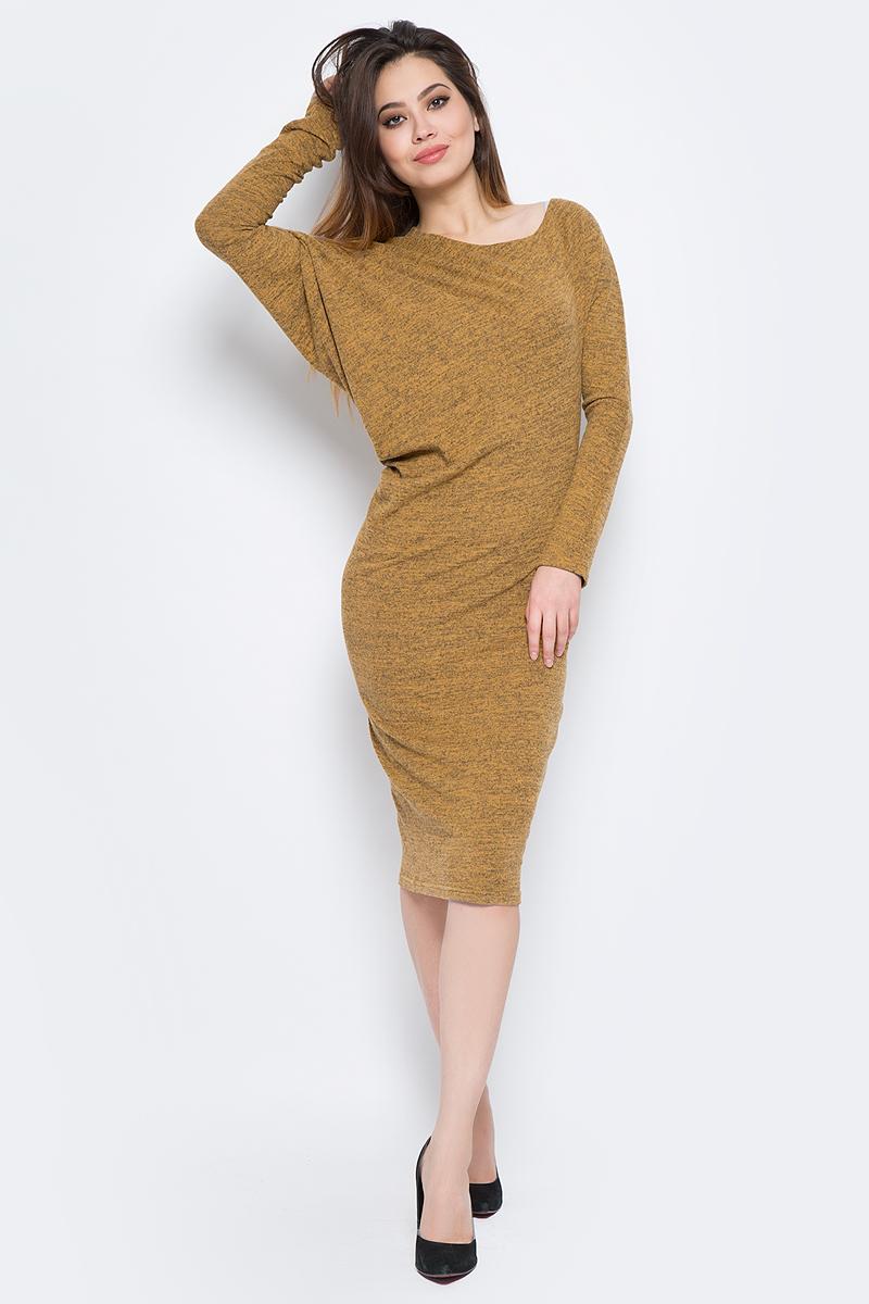 Платье La Via Estelar, цвет: горчичный. 13129. Размер 4413129Стильное платье, выполненное из комбинированного материала, отлично дополнит ваш гардероб. Модель длины-миди с длинными рукавами-кимоно и круглым вырезом горловины.