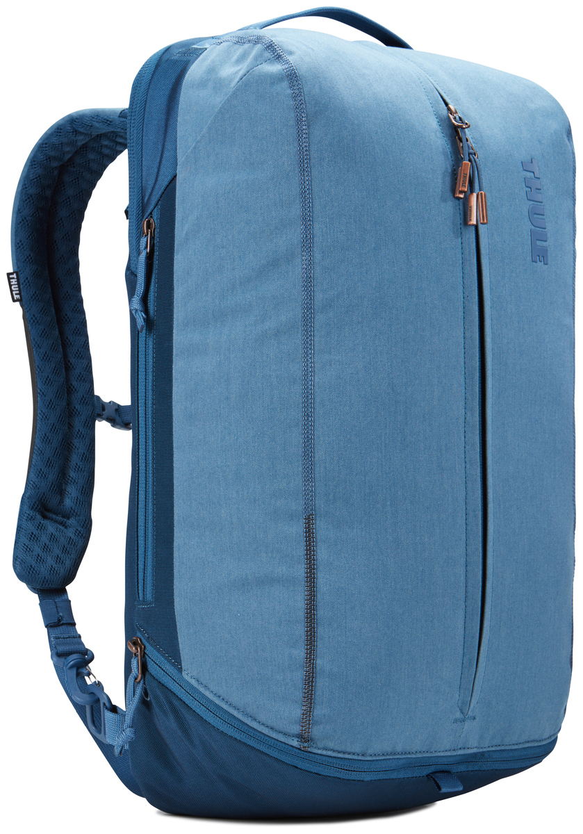 Рюкзак городской Thule Vea Backpack, цвет: светло-синий, 21 л3203510Эту универсальную спортивную сумку можно также использовать как рюкзак с одной или двумя лямками и ходить с ней и в спортзал, и на работу, храня все вещи отдельно друг от друга. Особенности: Специальные накладные карманы с мягкой подкладкой подходят для MacBook с диагональю 15 дюймов, ноутбуков с диагональю 15,6 дюймов и планшетов с диагональю 10 дюймов. Храните все необходимые для работы вещи в специальном отделении, предназначенном для ноутбуков, планшетов, файлов, ручек, паспортов, USB-накопителей, небольших шнуров и аксессуаров. Эту универсальную сумку можно носить тремя различными способами: в виде рюкзака, спортивной сумки и рюкзака с одной лямкой (неиспользуемые ремни можно отсоединить). В растягивающемся внутреннем кармане можно хранить обувь или грязную одежду. Храните обувь в отдельном растягивающемся кармане, расположенном с внешней стороны рюкзака. Если он не используется, его можно стянуть, чтобы освободить место. Во внешнем потайном кармане с плисовой подкладкой удобно хранить телефон. Внутренние сетчатые карманы предназначены для хранения вещей, необходимых при походе в спортзал: от замка, ключей и карты доступа до расчески и туалетных принадлежностей. Светоотражающие элементы на передней части сумки и наплечных ремнях обеспечат безопасность на дороге. Наплечные ремни с мягкой подкладкой и задняя панель с вентиляционным каналом обеспечивают комфорт при ношении рюкзака. Быстрый и удобный доступ к содержимому благодаря надежным молниям YKK с язычками с надписью Thule и фурнитурой Duraflex.