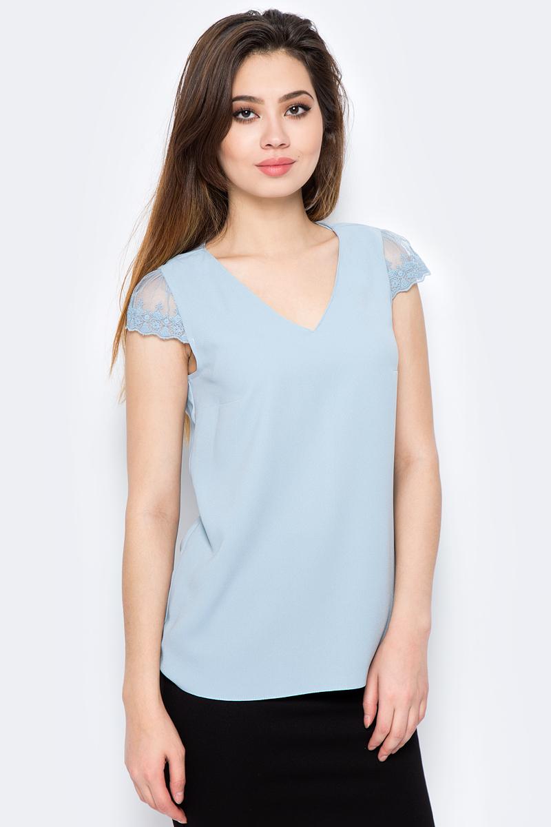 Блузка женская adL, цвет: голубой. 11529625003_035. Размер L (46/48)11529625003_035Стильная блузка от adL выполнена из высококачественного материала. Модель с короткими кружевными рукавами сзади застегивается на пуговицу.