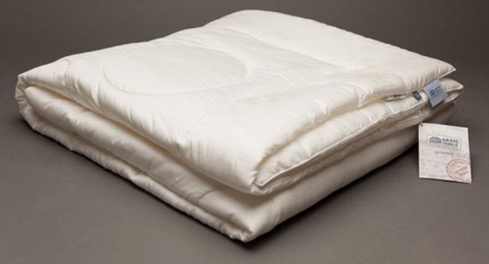 Одеяло Grass Familie Tensel Familie Bio, легкое, наполнитель: эвкалиптовое волокно, микроволокно, тенсел, цвет: белый, 200 х 220 смFB-9641Легкое одеяло Grass Familie создаст комфорт и уют во время сна.Волокно TENCEL используемое в качестве наполнителя и ткань сатин из 100% TENCEL гарантируют спокойный и расслабляющий сон с оптимальным выравниваем температуры и идеальным регулированием влажности. Превосходный климат сна на всю ночь.Стирка при температуре до 40С°.Не вызывает аллергии.