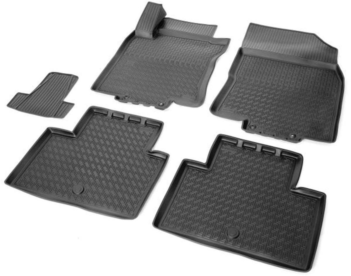 Коврики салона Rival для Nissan X-Trail 2015-, c перемычкой, полиуретан14109001Прочные и долговечные коврики Rival в салон автомобиля, изготовлены из высококачественного и экологичного сырья, полностью повторяют геометрию салона вашего автомобиля.- Надежная система крепления, позволяющая закрепить коврик на штатные элементы фиксации, в результате чего отсутствует эффект скольжения по салону автомобиля.- Высокая стойкость поверхности к стиранию.- Специализированный рисунок и высокий борт, препятствующие распространению грязи и жидкости по поверхности коврика.- Перемычка задних ковриков в комплекте предотвращает загрязнение тоннеля карданного вала.- Произведены из первичных материалов, в результате чего отсутствует неприятный запах в салоне автомобиля.- Высокая эластичность, можно беспрепятственно эксплуатировать при температуре от -45 ?C до +45 ?C.Уважаемые клиенты!Обращаем ваше внимание,что коврики имеет формусоответствующую модели данного автомобиля. Фото служит для визуального восприятия товара.