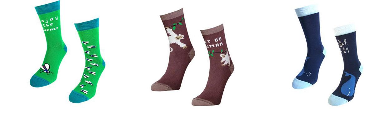 Носки Big Bang Socks, махровые, цвет: зеленый, коричневый, синий, 3 пары. box3a123. Размер 35/39box3a123Яркие махровые носки Big Bang Socks изготовлены из высококачественного хлопка с добавлением полиамидных и эластановых волокон, которые обеспечивают великолепную посадку. Носки отличаются ярким стильным дизайном. Они оформлены забавным изображением и надписью на английском языке. Принты не симметричны на правом и левом носке.Удобная резинка идеально облегает ногу и не пережимает сосуды, усиленныепятка и мысок повышают износоустойчивость носка, а удлиненный паголенокпридает более эстетичный вид. Дизайнерские носки Big Bang Socks - яркая деталь в вашем образе и оригинальныйподарок для друзей и близких.В комплекте три пары носков.
