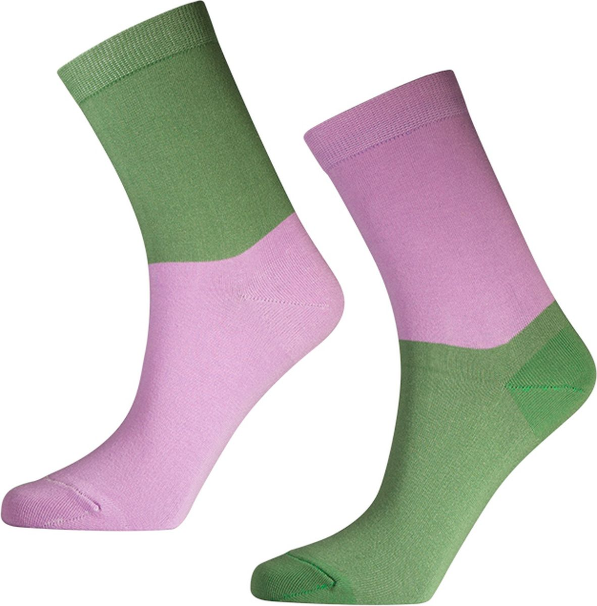 Носки мужские Big Bang Socks, цвет: лавандовый, зеленый, 2 пары. d431. Размер 40/44d431Яркие носки Big Bang Socks изготовлены из высококачественного хлопка с добавлением полиамидных и эластановых волокон, которые обеспечивают великолепную посадку. Носки отличаются ярким стильным дизайном. На правом и левом носке рисунки не симметричены.Удобная резинка идеально облегает ногу и не пережимает сосуды, усиленныепятка и мысок повышают износоустойчивость носка, а удлиненный паголенокпридает более эстетичный вид. Дизайнерские носки Big Bang Socks - яркая деталь в вашем образе и оригинальныйподарок для друзей и близких.В комплекте две пары носков.