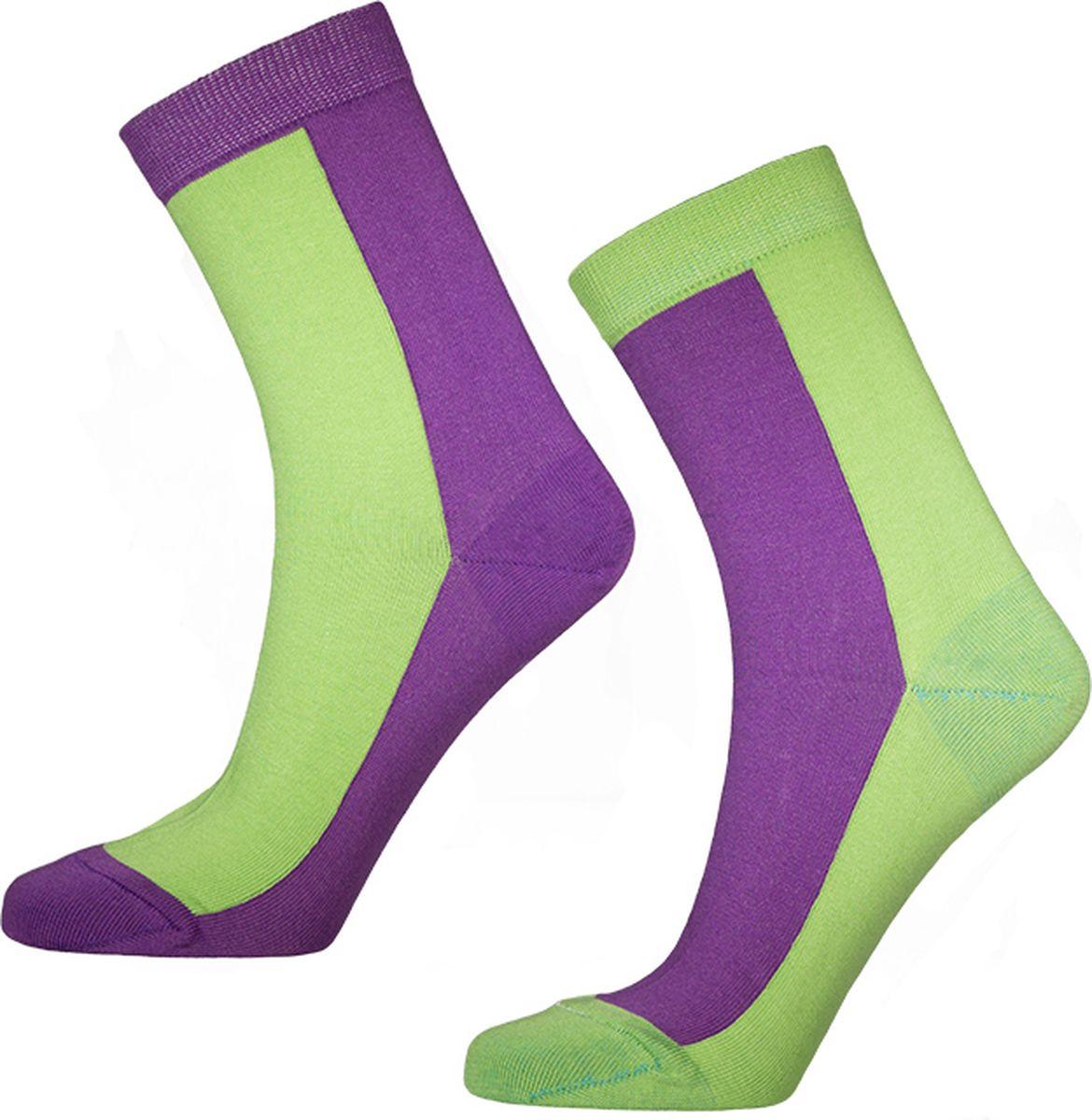 Носки мужские Big Bang Socks, цвет: фиолетовый, салатовый, 2 пары. d461. Размер 40/44d461Яркие носки Big Bang Socks изготовлены из высококачественного хлопка с добавлением полиамидных и эластановых волокон, которые обеспечивают великолепную посадку. Носки отличаются ярким стильным дизайном. На правом и левом носке рисунки не симметричены.Удобная резинка идеально облегает ногу и не пережимает сосуды, усиленныепятка и мысок повышают износоустойчивость носка, а удлиненный паголенокпридает более эстетичный вид. Дизайнерские носки Big Bang Socks - яркая деталь в вашем образе и оригинальныйподарок для друзей и близких.В комплекте две пары носков.