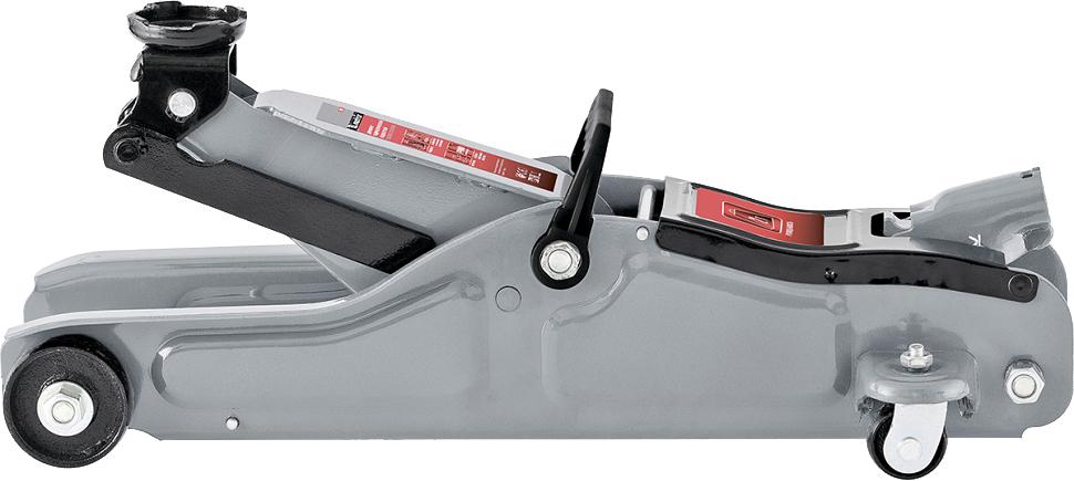 Домкрат Matrix Low Profile, гидравлический подкатной, 2 т, высота подъема 8,5-33 см. 5101851018Подкатные домкраты Matrix предназначены для обслуживания современных легковых автомобилей, в том числе с небольшим клиренсом: имеют низкую высоту подхвата (85 мм). Могут использоваться как для самостоятельного применения, так и на станциях технического обслуживания. высота подхвата 85 мм;клапан защиты от перегрузки;усиленная конструкция;резиновая накладка на опорную площадку в комплекте.
