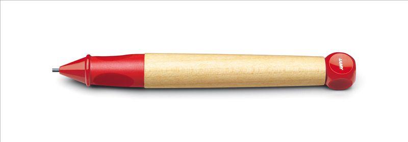 Lamy Карандаш обучающий ABC цвет красный4000733Автоматический карандаш для обучения письму. Разработан дизайнерами, педагогами и психологами специально для детей, делающих первые шаги в письме. Входит в систему обучения письму Lamy: карандаш Lamy abc, как первый инструмент для освоения печатных букв и цифр, перьевая ручка Lamy abc – для обучения чистописанию.Резиновый эргономичный хват с легкими углублениями для правильного положения пальцев при письме. Разгружает руку, предотвращая уставание, онемение пальцев, а также соскальзывание пальцев к пишущему узлу. Корпус из легкого и прочного кленового дерева. Кубик на конце карандаша не дает ему скатываться с парты.Карандаш можно подписать. Наклейки прилагаются.Цвет деталей корпуса: красный.Используется с грифелями Lamy 44 (1,4 мм) Комплектация: подарочная коробка, инструкция, наклейки для подписывания.Модель также доступна, как перьевая ручка для освоения чистописания.Дизайн: Проф. Бернт ШпигельИстория бренда Lamy насчитывает более 80-ти лет, а его философия заключается в слогане Дизайн. Сделано в Германии. Компания получила более 100 самых престижных дизайнерских наград. Все пишущие инструменты Lamy производятся на фабрике в Гейдельберге (Германия).