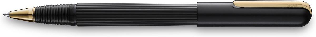 Lamy Imporium Ручка-роллер 360 M66 черная цвет корпуса черный4027951Визитной карточкой модельного ряда LAMY imporium является бороздчатая структура корпуса и хвата. Цилиндрический гладкий колпачок с цельнометаллическим полированным клипом создает яркий контраст поверхностей. Комбинация интересных деталей и минимализма придает этой серии очень оригинальный внешний вид.От пишущего узла до клипа при производстве используются первоклассные материалы. Металлические поверхности гальванизируются специальным PVD покрытием, увеличивающим износостойкость. Поворотный механизм активирует пишущий узел.Металлический корпус матового черного цвета. Завинчивающийся колпачок, гальванизированный золотом.Чернильный роллер пишет мягко и почти без нажима - подобно перьевой ручке, но прост в обращении, как шариковая, т.к. при письме чернила подаются на бумагу с помощью шарика на конце стержня. Используется со стержнями LAMY М66.Комплектация: подарочный футляр, гарантийная карточка, буклет, стержень LAMY М16 черного цвета, салфетка для полировки.Дизайн: Марио Беллини.История бренда LAMY насчитывает более 80-ти лет, а его философия заключается в слогане Дизайн. Сделано в Германии. Компания получила более 100 самых престижных дизайнерских наград. Все пишущие инструменты LAMY производятся на фабрике в Гейдельберге (Германия).