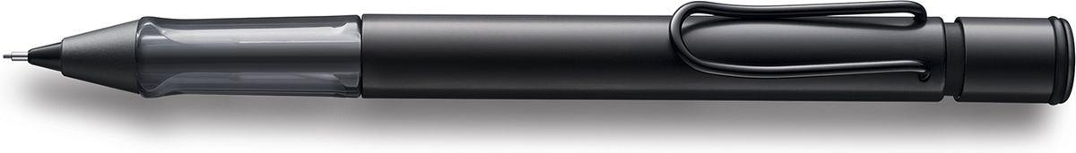 Lamy Карандаш механический Al-star цвет черный4029627Алюминиевая версия культовой модели Lamy safari под названием Lamy Al-star.Корпус этого автоматического карандаша изготовлен из анодированного алюминия. Эргономичный хват позволяет пальцам принять правильное положение при письме. Секция хвата изготовлена из прозрачного пластика. Металлический клип на корпусе напоминает по форме канцелярскую скрепку. Пишущий узел активируется с помощью кнопки. Под крышкой кнопки находятся ластик и игла для чистки канала грифеля. Грифельный канал утапливается.Используется с грифелями Lamy M41 (0,5 мм) и ластиком c чистящей иглой Lamy Z18.Поставляется в подарочной коробке. Дизайн: Вольфганг ФабианИстория бренда Lamy насчитывает более 80-ти лет, а его философия заключается в слогане Дизайн. Сделано в Германии. Компания получила более 100 самых престижных дизайнерских наград. Все пишущие инструменты Lamy производятся на фабрике в Гейдельберге (Германия).