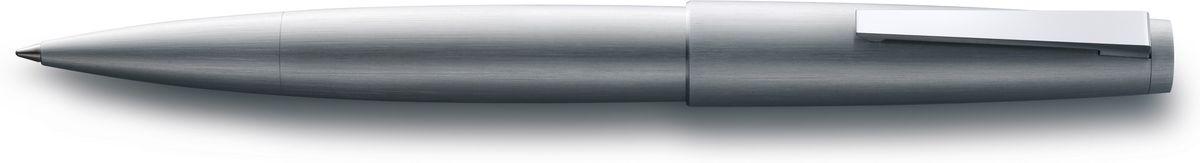 Lamy 2000 Ручка-роллер 301 M63 черная цвет корпуса матовая сталь4029636LAMY 2000 (302)Эта ручка – икона стиля, олицетворяющая собой дизайн LAMY. Создана в традициях школы Баухауз с ее девизом Форма следует за функцией. LAMY 2000 свободна от излишеств как в материалах, так и в дизайне: функциональность и минимализм – ее главные черты. Корпус сигарной формы удобно лежит в руке. Эта премиальная версия LAMY 2000 изготовлена из нержавеющей стали матовой брашинг-полировки. Массивный стальной подпружиненный клип на колпачке довершает лаконичный и элегантный внешний вид этой ручки.Чернильный роллер пишет мягко и почти без нажима - подобно перьевой ручке, но прост в обращении, как шариковая, т.к. при письме чернила подаются на бумагу с помощью шарика на конце стержня. Используется со стержнями LAMY М63.Комплектация: подарочный футляр, гарантийная карточка, буклет.Дизайн: Герд А. Мюллер История бренда LAMY насчитывает более 80-ти лет, а его философия заключается в слогане Дизайн. Сделано в Германии. Компания получила более 100 самых престижных дизайнерских наград. Все пишущие инструменты LAMY производятся на фабрике в Гейдельберге (Германия).