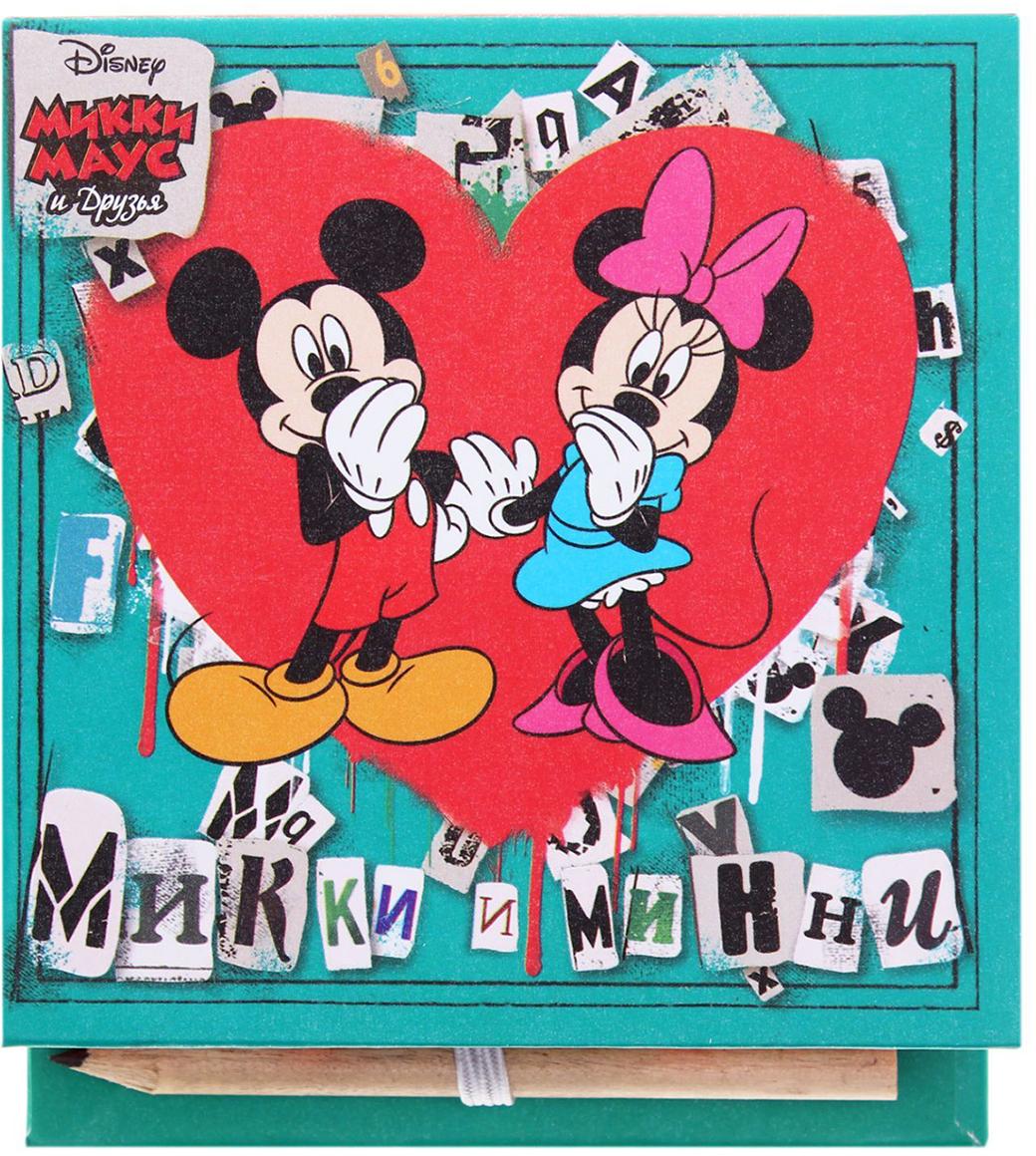 Disney Блок для записей Любовь 10 x 10 см 150 листов1158868Заряжайтесь позитивом каждый день вместе с любимыми героями мультфильмов Disney. Специально для поклонников Микки Мауса и его друзей мы разработали целую серию канцелярских принадлежностей.Футляр содержит блок на 100 дизайнерских листов размером 9 х 9 см. Оставляйте на них сообщения, записывайте ценные мысли, составляйте списки или стройте планы. С оригинальным футляром из плотного картона записи не потеряются, а на столе будет порядок. Чтобы не пришлось искать карандаш, мы поместили его на внутреннюю сторону обложки, теперь он всегда под рукой.Побалуйте себя или близких эффектными аксессуарами.