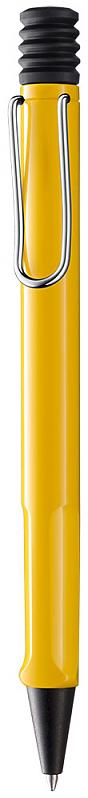 Lamy Ручка шариковая Safari цвет корпуса желтый синяя4000896Самая популярная линейка бренда Lamy. Корпус этой шариковой ручки выполнен из прочного ABS пластика. Эргономичный хват позволяет пальцам принять правильное положение при письме. Металлический клип на корпусе напоминает по форме канцелярскую скрепку. Пишущий узел активируется с помощью характерной кнопки-гармошки. Используется со стержнем большого объема Lamy М16. Поставляется в подарочной коробке.Дизайн: Вольфганг Фабиан История бренда Lamy насчитывает более 80-ти лет, а его философия заключается в слогане Дизайн. Сделано в Германии. Компания получила более 100 самых престижных дизайнерских наград. Все пишущие инструменты Lamy производятся на фабрике в Гейдельберге (Германия).