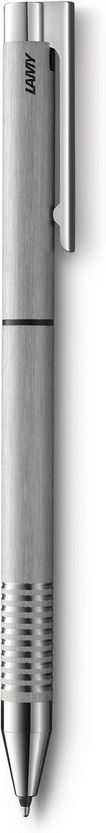 Lamy Ручка мультисистемная Logo M21 цвет корпуса серебристый4001255Отличительные черты этой ручки 2 в одном – чистота формы и высокая функциональность.Надежные материалы и удобство в использовании делают ее хорошим компаньоном на все случаи жизни – это отличная ручка на каждый день.Пружинный стальной клип с встроенным шариком позволяет крепко фиксировать ручку и плавно снимать.Корпус изготовлен из нержавеющей стали брашинг-полировки. Рифленый нескользящий хват. Шариковая ручка со стержнем черного цвета и с автоматическим карандашом 0,5 мм. Поворотный механизм активаии пишущего узла. Используется со стержнями Lamy M21 и грифелями Lamy M41.Комплектация: подарочный футляр, гарантийная карточка.Дизайн: Вольфганг ФабианИстория бренда Lamy насчитывает более 80-ти лет, а его философия заключается в слогане Дизайн. Сделано в Германии. Компания получилаболее 100 самых престижных дизайнерских наград. Все пишущие инструменты Lamy производятся на фабрике в Гейдельберге (Германия).