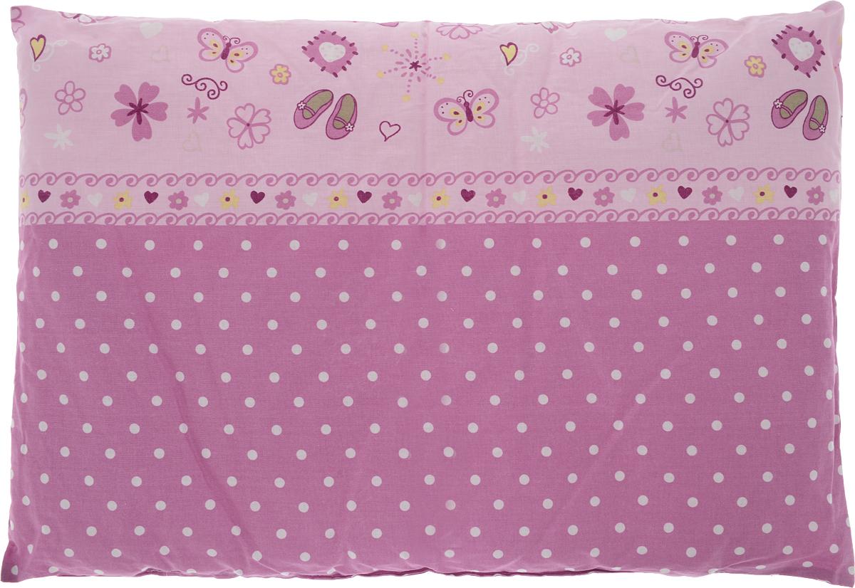 Сонный гномик Подушка детская цвет розовый светло-розовый 60 х 40 см555Б_розовый, светло розовыйМягкая тонкая подушка для детской кроватки Сонный гномик обеспечит крепкий и здоровый сон вашему малышу. Подушка имеет несъемный чехол из прочного безопасного хлопка.Хлопок - натуральный материал, обладающий высокой гигроскопичностью и воздухопроницаемостью, он будет безопасен даже для нежной кожи ребенка. Наполнитель подушки - синтепон. Синтепон гипоаллергенен, долговечен, не скатывается и превосходно пропускает воздух.Удобная подушка из безопасных материалов идеально подойдет для детской кроватки, с ней дневной и ночной сон ребенка всегда будет крепким.