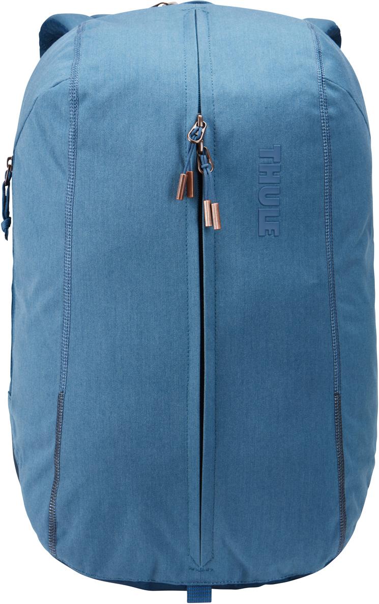 Рюкзак городской Thule Vea Backpack, цвет: светло-синий, 17 л3203507Стильный рюкзак предназначен для перемещения между офисом и тренажерным залом, позволяя хранить вещи для занятий спортом и работы отдельно друг от друга. Особенности: Специальные накладные карманы с мягкой подкладкой для защиты MacBook с диагональю экрана 15 дюймов и планшета с диагональю экрана 10 дюймов. Храните все необходимые для работы вещи в специальном отделении, предназначенном для ноутбуков, планшетов, файлов, ручек, паспортов, USB-накопителей, небольших шнуров и аксессуаров. Во внешнем потайном кармане удобно хранить телефон или легкий перекус. Просторное главное отделение имеет удобную застежку на молнии по типу спортивной сумки, благодаря чему вы можете легко класть туда все необходимое и так же легко его доставать. В растягивающемся внутреннем кармане можно хранить обувь или грязную одежду. Внутренние сетчатые карманы предназначены для хранения вещей, необходимых при походе в спортзал: от замка, ключей и карты доступа до расчески и туалетных принадлежностей. Светоотражающие элементы на передней части сумки и наплечных ремнях обеспечат безопасность на дороге. Наплечные ремни рюкзака фиксируются с помощью регулируемого нагрудного ремня. Наплечные ремни с мягкой подкладкой и задняя панель с вентиляционным каналом обеспечивают комфорт при ношении рюкзака. Быстрый и удобный доступ к содержимому благодаря надежным молниям YKK с язычками с надписью Thule и фурнитурой Duraflex.