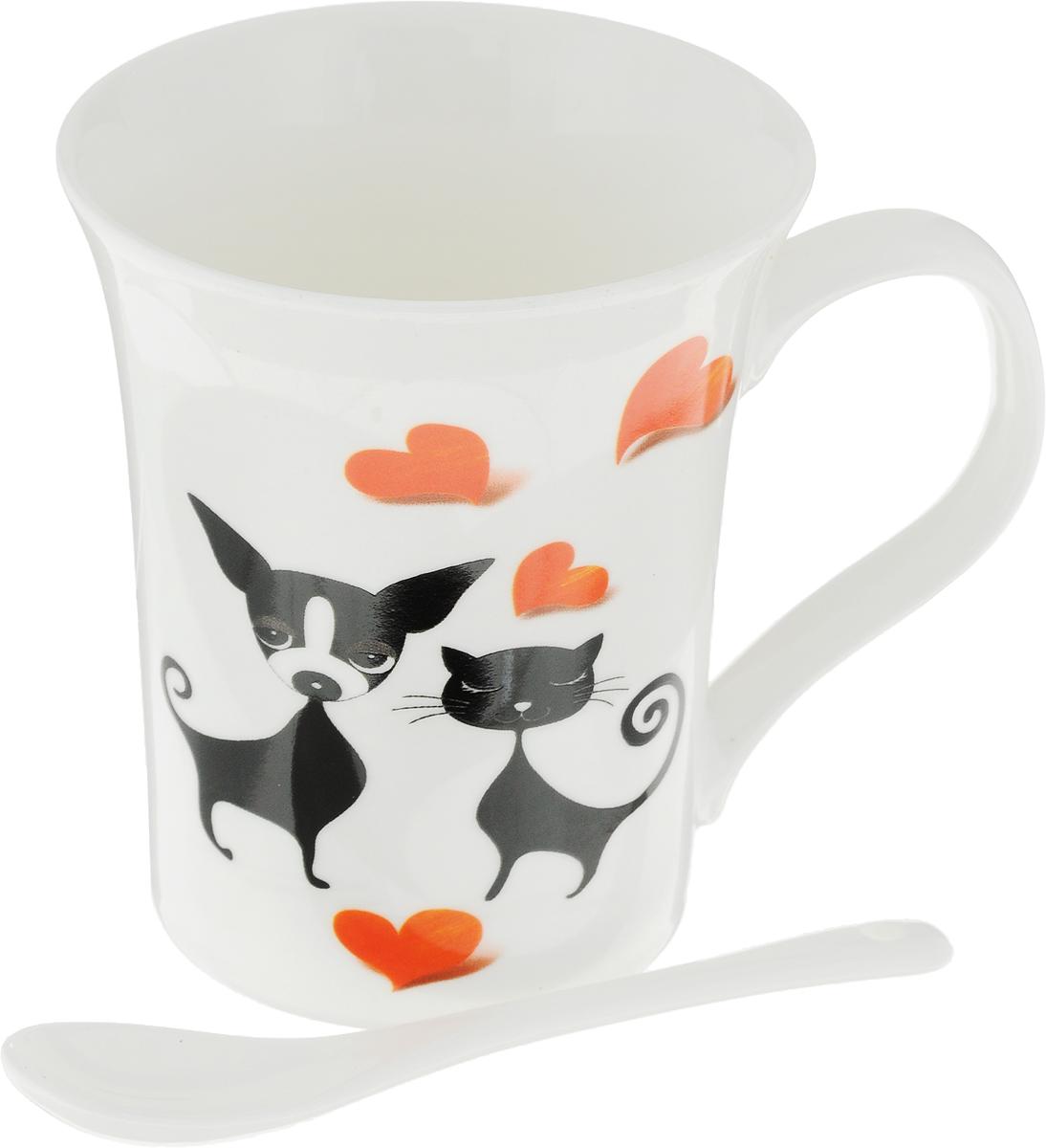 Кружка Доляна Кот и пес, с ложкой, цвет: белый, 300 мл836423_белыйКружка Доляна Кот и пес изготовлена из высококачественной керамики. Она украшена оригинальнымизображением кота и собаки.Изысканная кружка прекрасно оформит стол к чаепитию и станет его неизменным атрибутом. В комплект входит чайная ложечка. Диаметр кружки (по верхнему краю): 9 см. Высота кружки: 10,5 см.