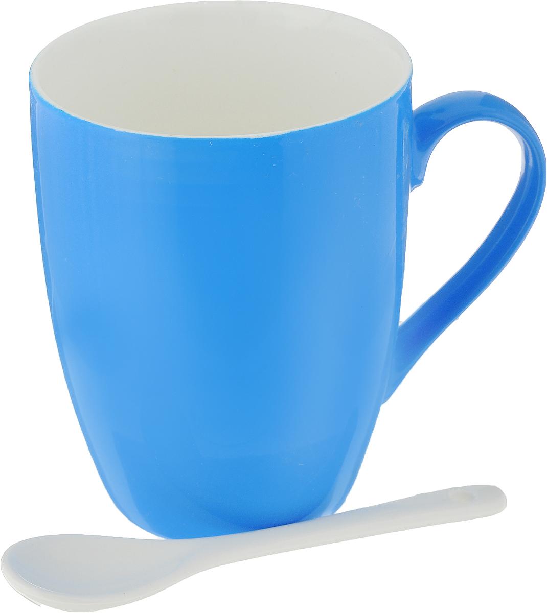 Кружка Доляна Радуга, с ложкой, цвет: синий, 300 мл699262_синийКружка Доляна Радуга изготовлена из высококачественной керамики. Изделие оформлено ярким дизайном ипокрыто превосходной сверкающей глазурью.Изысканная кружка прекрасно оформит стол к чаепитию и станет его неизменным атрибутом. В комплект входит чайная ложечка. Диаметр кружки (по верхнему краю): 8 см. Высота кружки: 10 см.