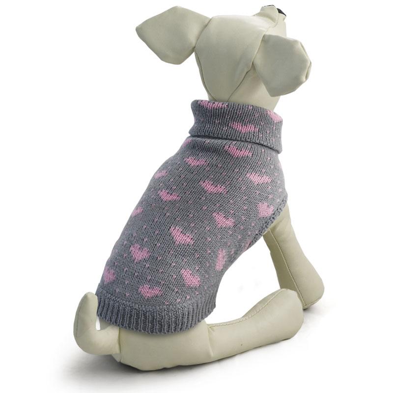 Свитер для собак Tirol Сердечки, цвет: серый. Размер L12271431Теплый и оригинальный свитер с сердечками - это удобный и функциональный аксессуар для собак, который просто незаменим в холодную погоду. Изделие защитит вашего питомца от ветра и согреет в непогоду. Свитер имеет стильный дизайн, а универсальный фасон не стесняет движений питомца во время прогулки. Такой свитер с модным принтом станет украшением гардероба вашего питомца. Материал: акрил. Цвет: серо-розовый. Размер: 35 см (L)