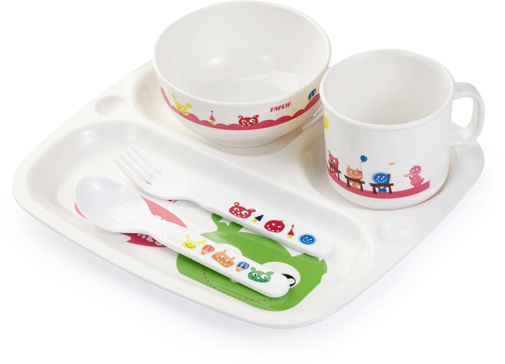 Farlin Набор посуды для кормления 5 предметовPER-246Набор сделан из прочного небьющегося гипоаллергенного материала.Каждый предмет набора украшен забавным рисунком в виде монстриков.Может быть использован для разогрева пищи в микроволновой печи.В комплекте: многоцелевой поднос, тарелочка для супа/каши, кружечка, ложечка и вилочка.