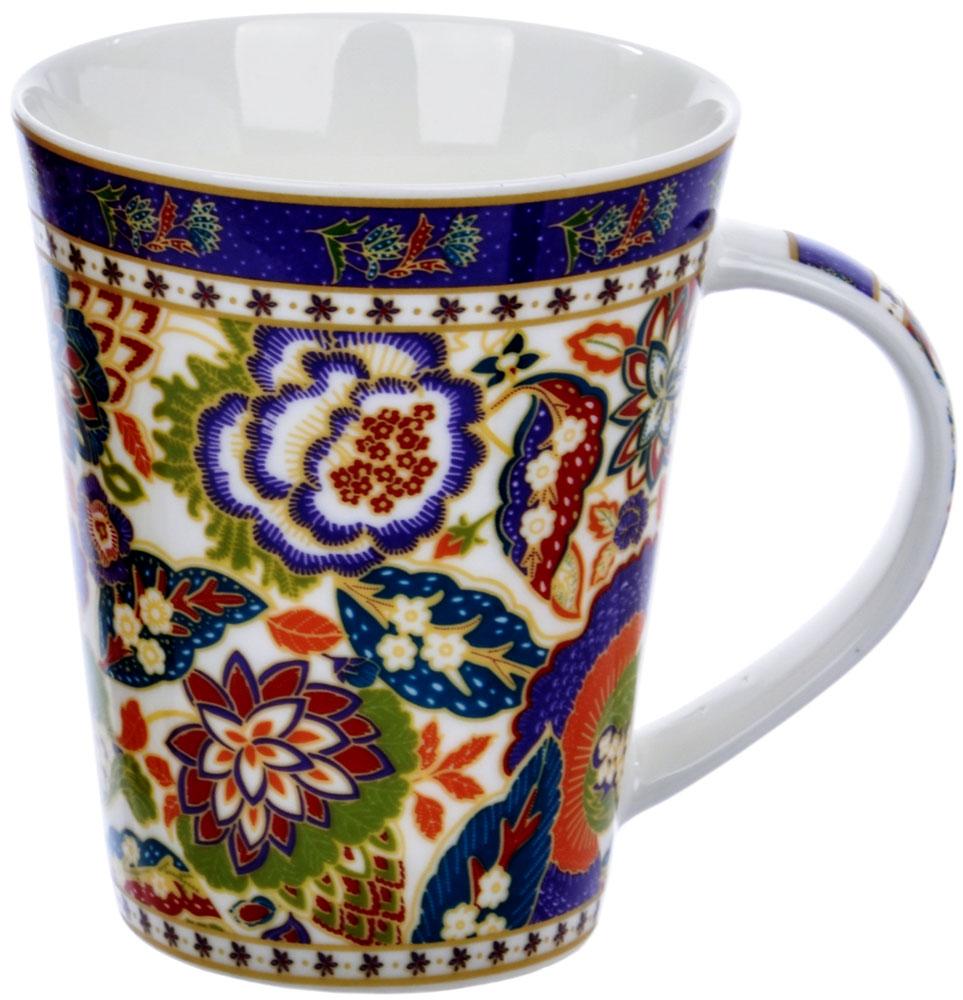 Кружка Quanhu Цветочная фантазия, 380 млLQB18-G0073Liling Quanhu - это кружки и салатники из белого фарфора. Фарфоровые кружки LQ восхищают своей самодостаточностью и полнотой во всем: насыщенностью и четкостью рисунка, разнообразием и эргономичностью форм, молочной белизной и гладкостью фарфора. Формы кружек могут быть разными - от классических конусообразных, с каплевидной ручкой, до приземистых бочек с круглой ручкой и широким дном. Объем: 250 - 400 мл. Кружки можно использовать в СВЧ и мыть в ПММ.