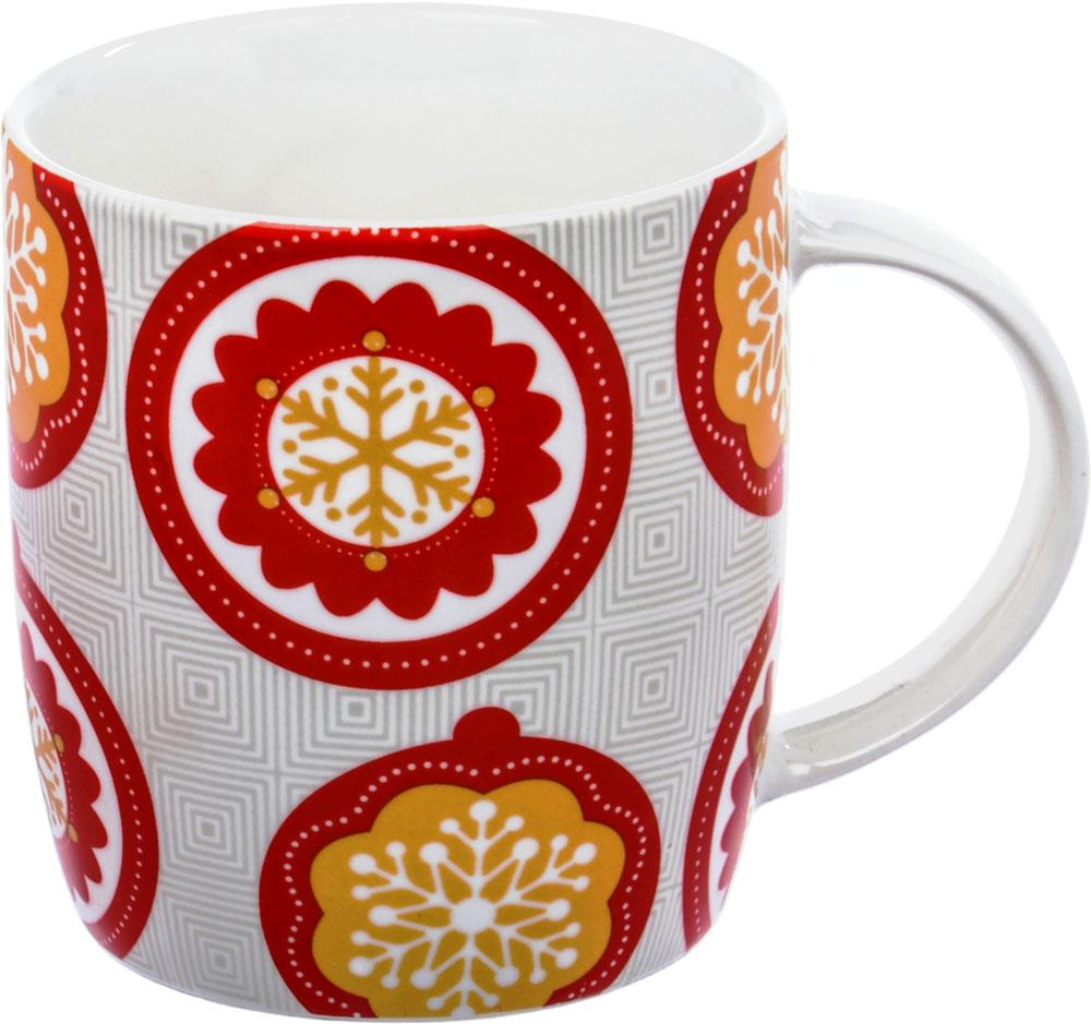 Кружка HomeStar Снежинки, цвет: красный, желтый, 350 млLJHS009Фарфоровая кружка Home Star Снежинки с новогодним декором. Современные декоры в европейском стиле ориентированы на молодежную и средневозрастную аудиторию. Кружка из белого фарфора обладает ярким цветным декором, удобной ручкой, устойчивым основанием.Кружку HomeStar Снежинки можно использовать в СВЧ и мыть в посудомоечной машине.