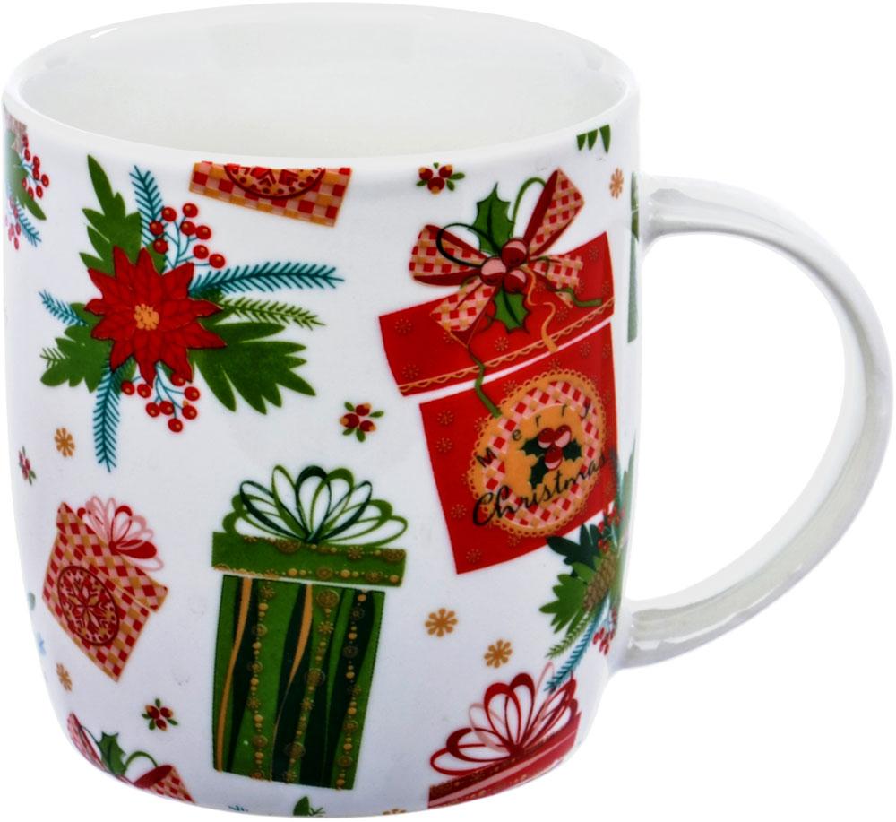 Кружка HomeStar Подарки, цвет: белый, зеленый, красный, 350 млLJHS007Фарфоровая кружка Home Star Подарки с новогодним декорам. Современные декоры в европейском стиле ориентированы на молодежную и средневозрастную аудиторию. Кружка из белого фарфора имеет яркий цветной декор, удобную ручку, устойчивое основание.Кружку HomeStar Подарки можно использовать в СВЧ и мыть в посудомоечной машине.