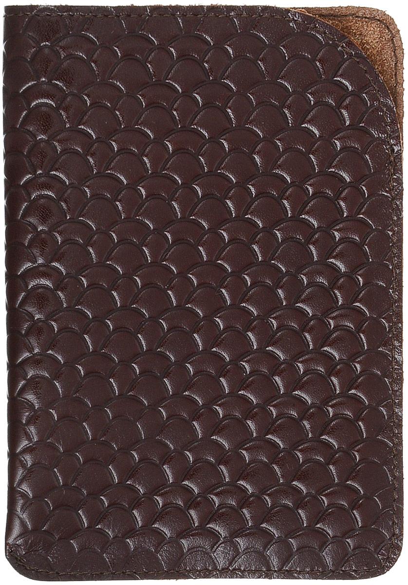 Обложка для паспорта Paolo Veronese, цвет: бордовый. O059-A04-11Натуральная кожаЧехол для паспорта Paolo Veronese в форме кармана, из натуральной кожи, с краем в обрезку. Горизонтальное тиснение Passport. Размеры (XxYxZ): 100х141х3