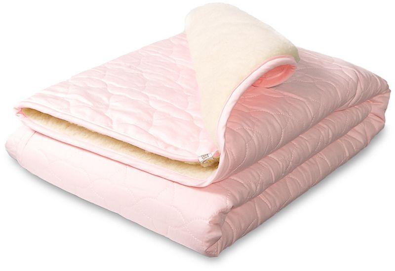 """С самых ранних лет жизни ребенок должен быть окутан заботой, теплом и любовью, плед-одеяло """"Брашек"""" будет не только греть вашего малыша в холодное время года, но и подарит незабываемые сны всей семье.  С одной стороны стеганый сатин (100% хлопок). Вторая сторона: натуральная овечья шерсть (80% шерсть, 20% пэ). Наполнитель: Синтепон (плотность 100г/кв.м)."""