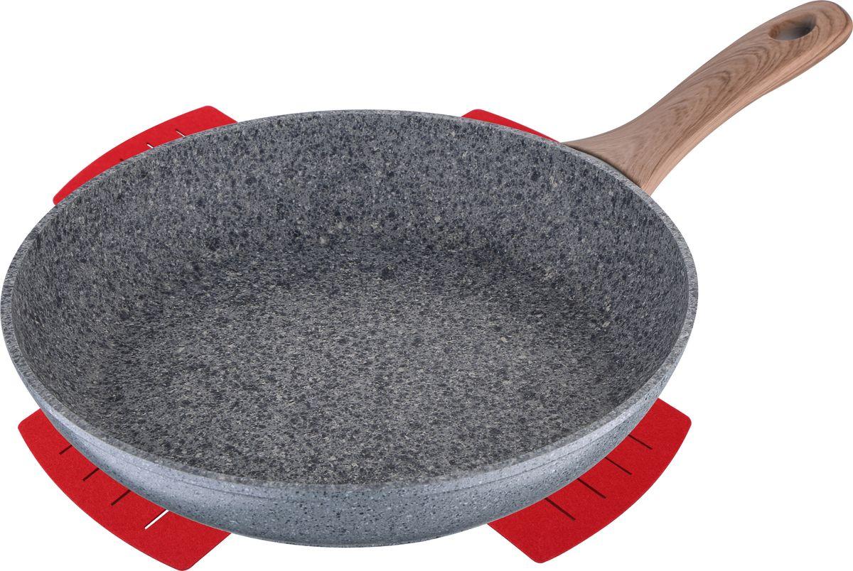 """Сковорода Bergner """"Granit Eco""""- отличный выбор для каждой хозяйки. Благодаря внешнему и внутреннему гранитному покрытию сковорода имеет прекрасные антипригарные свойства, позволяющие быстро и вкусно приготовить большое количество блюд без лишних хлопот. Сковорода изготовлена из высококачественного кованого алюминия, устойчивого к коррозии, царапинам и другим механическим повреждениям. Надежное индукционное дно из экологически чистых материалов делает эту сковороду универсальной и безопасной для здоровья всей семьи.  Эргономичная бакелитовая ручка с покрытием Soft Touch не скользит и не нагревается в руке. Стилизованная под дерево ручка сковороды прекрасно сочетается с практичной мраморной крошкой.  Сковороду можно мыть в посудомоечной машине.  Диаметр сковороды составляет 22 см, высота - 4,5 см. Компания Bergner является одним из крупнейших производителей кухонной посуды и кухонных принадлежностей. Компания выпускает широкий ассортимент продукции, начиная от стальных кастрюль и заканчивая фарфоровой посудой. Товары Bergner отличаются высоким качеством, практичностью и элегантным дизайном, который украсит интерьер любой кухни или столовой."""