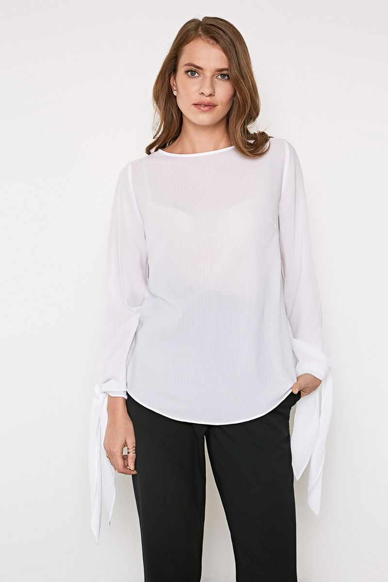 Блузка женская Concept Club Bowy, цвет: белый. 10200260215_200. Размер XS (42)10200260215_200Стильная блузка, выполненная из 100% полиэстера, отлично дополнит ваш образ. Модель свободного кроя с длинными рукавами и круглым вырезом горловины.