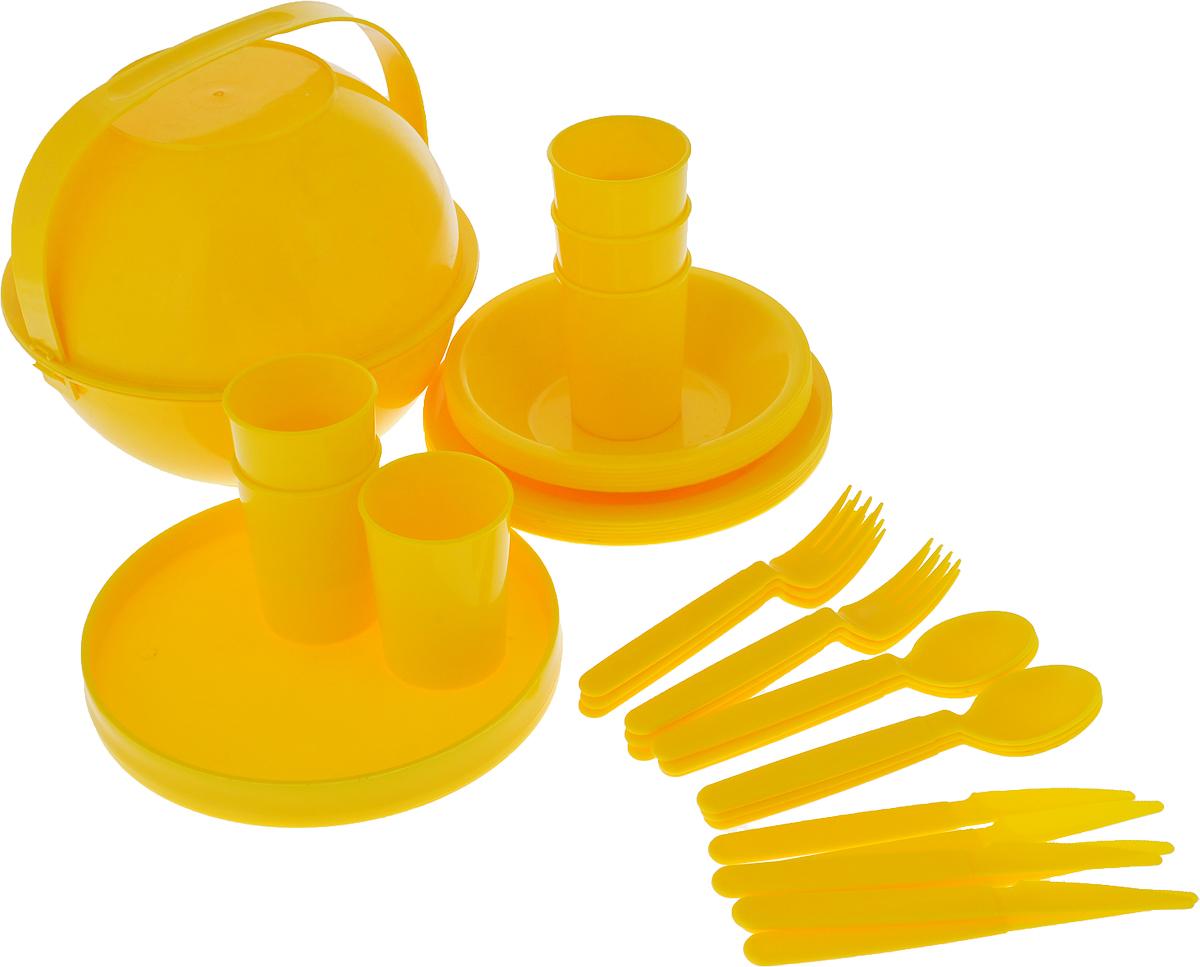 Набор пластиковой посуды Gotoff Туристический, цвет: желтый, 39 предметов. WTC-820WTC-820_желтыйНабор пластиковой посуды Gotoff Туристический включает 6 глубоких тарелок, 6 плоскихтарелок, 6 стаканов, поднос/разделочную доску, 2 салатника, 6 вилок, 6 ложек и 6 ножей. Изделиявыполнены из прочного пищевого полипропилена. Набор отлично подойдет как для холодных, таки для горячих блюд. Его удобно использовать на даче, брать с собой на пикники и в поездки.Пластиковая посуда не разобьется и будет служить вам долгое время. Изделия легко моются,гигиеничны, не накапливают запахов.Набор имеет удобный контейнер для хранения с ручкой для переноски. Контейнер при желанииможно использовать в качестве двух мисок. Диаметр глубокой тарелки: 18,5 см.Высота глубокой тарелки: 4 см.Диаметр плоской тарелки: 21 см.Диаметр стакана: 7 см.Высота стакана: 9 см.Диаметр подноса: 22 см.Диаметр салатника: 24,5 см.Высота салатника: 10 см. Длина вилки, ложки и ножа: 18,5 см.